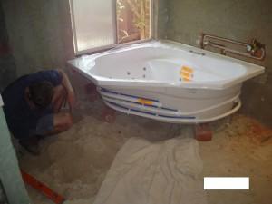 Spa bath showing plumbing image